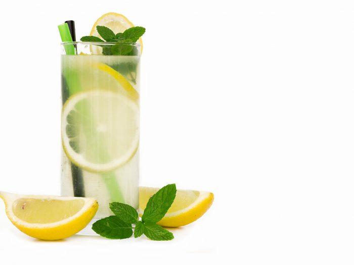 limonada, agua con limón