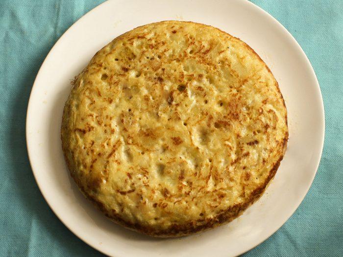 Tortilla de Patatas, tortilla de patata, tortilla de patatas con cebolla, tortilla española