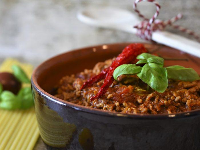 salsa boloñesa, salsa de carne con tomate