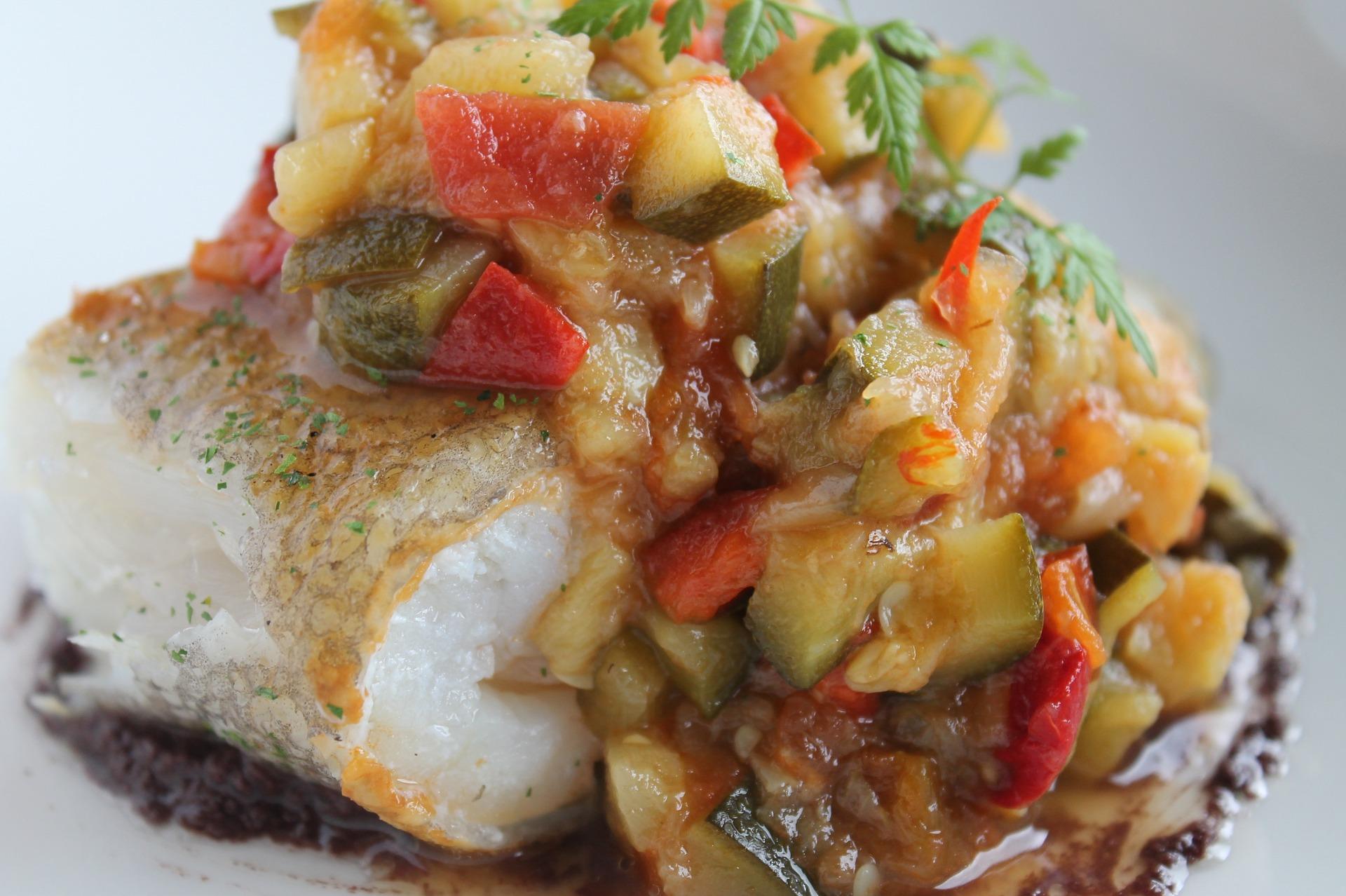 Bacalao con Pisto, pescado con pisto, pisto manchego, plato español