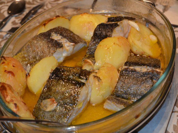 Merluza al horno, pescado al horno