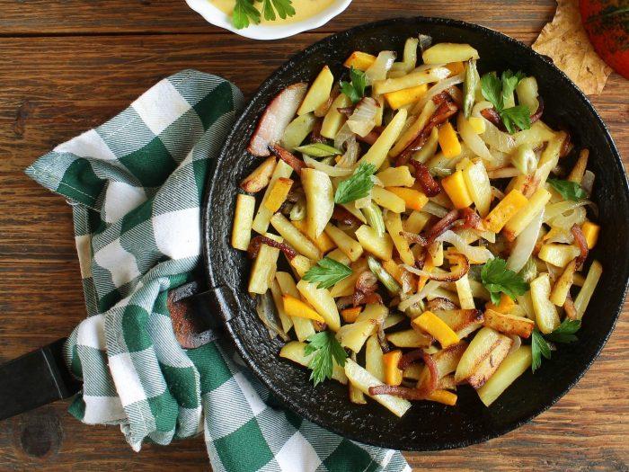 patatas salteadas, Patatas Salteadas con Verduras y Tocino